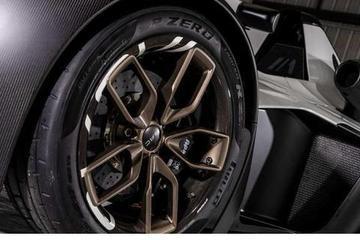 特立独行的跑车,外观酷似F1,一脚油门340匹马力,百公里仅2.5s