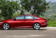 预算只有20万,懂车的绕不开这3款B级车,第一款4月卖近1.9万辆