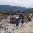 四川冕寧特大暴雨中的大堡子村:河流改道,山石砸毀民房