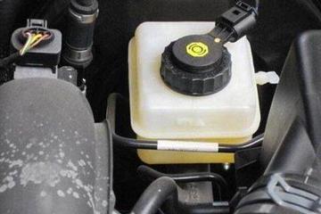 刹车油多长时间更换,都在哪些情况更换