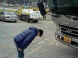 囧哥:日网友称上海出租像赛车