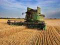 小麦收获基本结束 天气助力今年再获丰收
