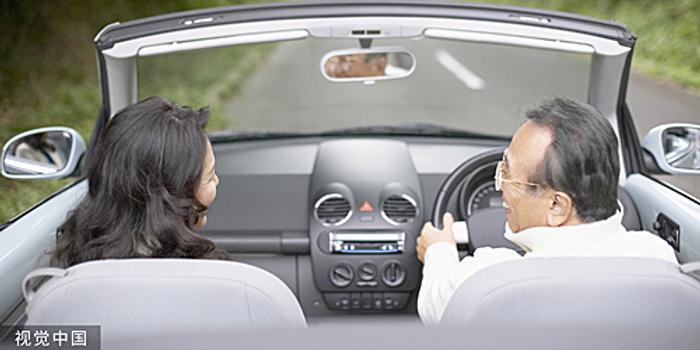 高龄司机事故频发 日本拟发75岁以上人群专用驾照