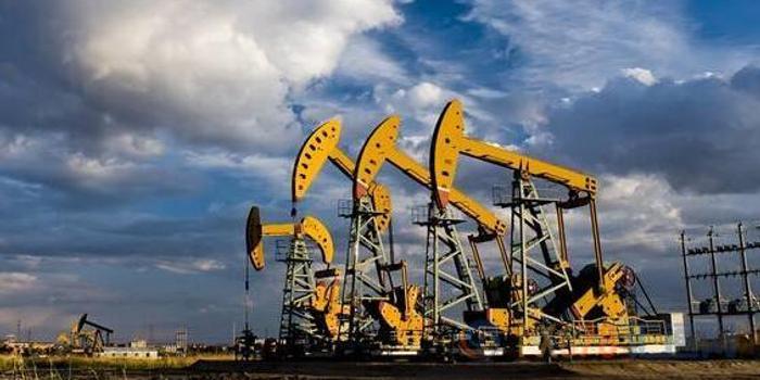 EIA利空叠加担忧需求放缓 美油重挫逾4%创五个月新低