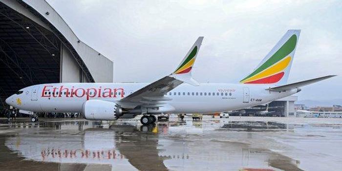三地走勢圖_波音副總裁在巴黎航展向兩次空難遇難者家屬道歉