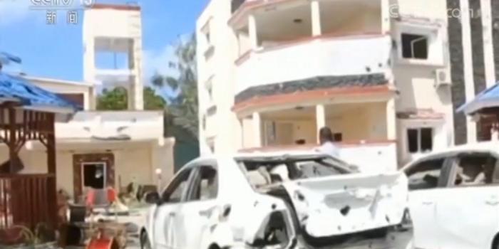 """索马里""""青年党""""宣称制造酒店袭击事件 致26死"""