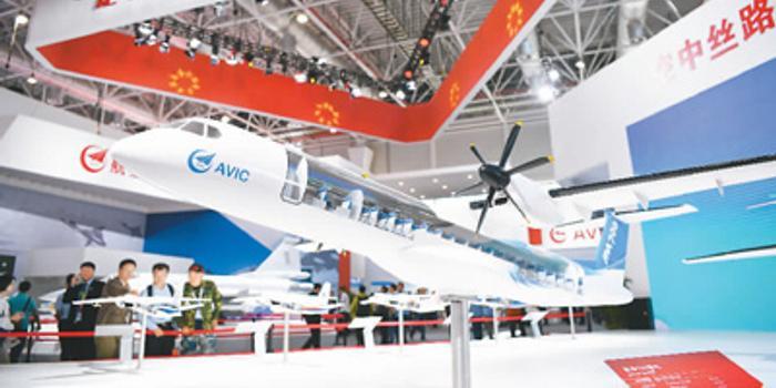 """展示""""红海精神"""" 中国制造飞机越来越多飞出国门"""