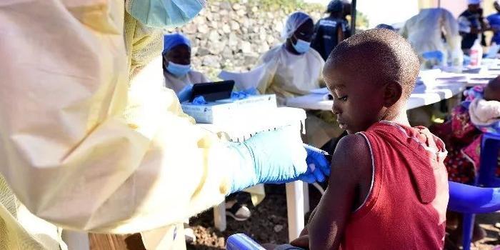 多个国际机构发声明 埃博拉为何又让世界紧张起来