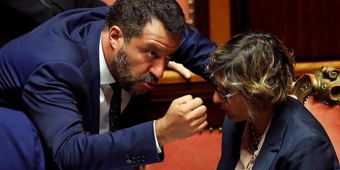 """意大利副总理又要""""离婚"""" 执政联姻刚一年就到头"""