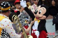 媒体追问上海迪士尼:禁带食品是霸王条款?定价偏高?