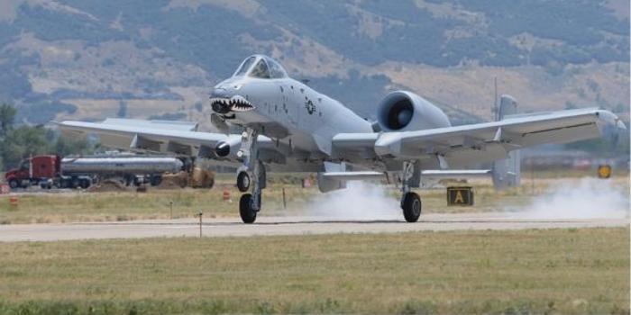 美军A10攻击机将换装新机翼延寿 可再服役20年
