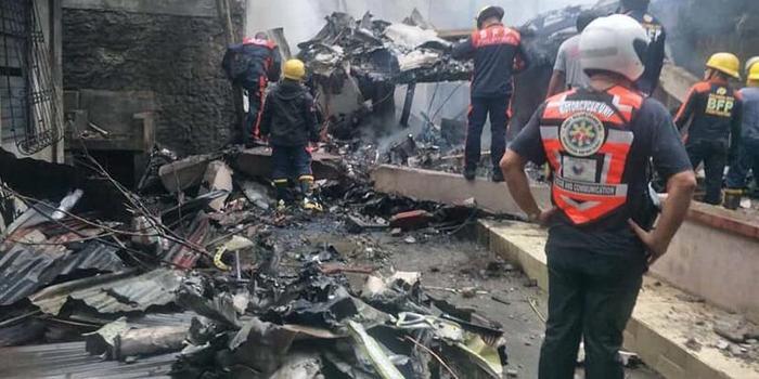 菲律宾一架小型飞机坠毁 已致9人死亡