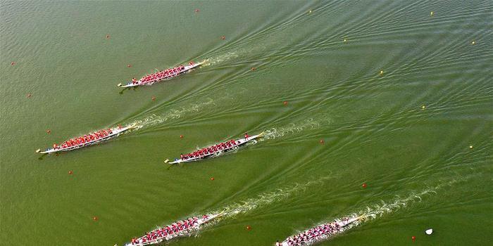 全国少数民族传统体育运动会龙舟比赛开赛
