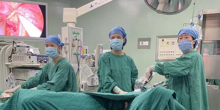 26岁患癌女孩冷冻卵巢组织 保留住当妈妈的机会