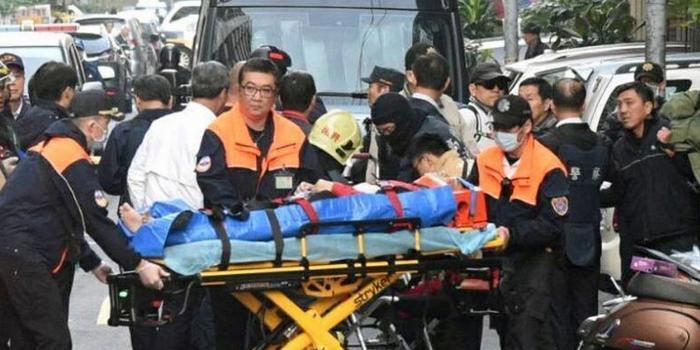 台5旬男子与警察火拼 警方3次冲锋开100枪