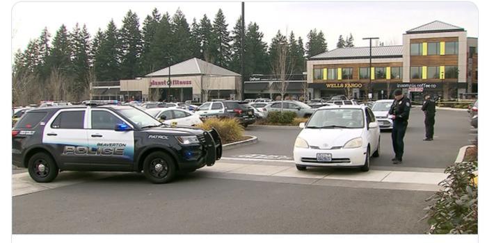 美国俄勒冈购物中心发生持刀伤人事件 已致1死3伤