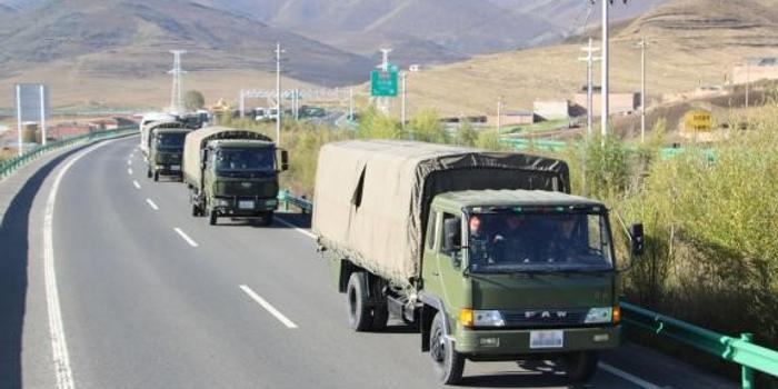 武警特戰隊魔鬼周訓練:武裝奔襲十公里后抓捕