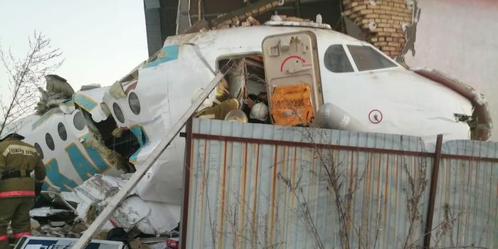 墜機事故后 哈薩克斯坦工業部:涉事航空公司停業