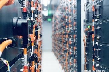 装机量连续三月同比下滑 动力电池企业艰难求生
