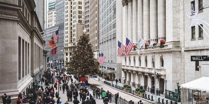 《美国股市》道指跌222点或0.8% 科技股绩前逆市升