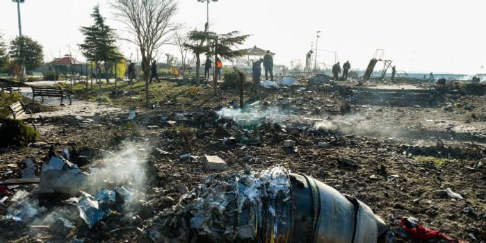 乌航失事客机新细节:坠毁前曾收到塔台拉高转弯指令