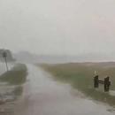 """澳大利亞""""水火兩重天"""":山火還沒滅 暴雨又襲來"""