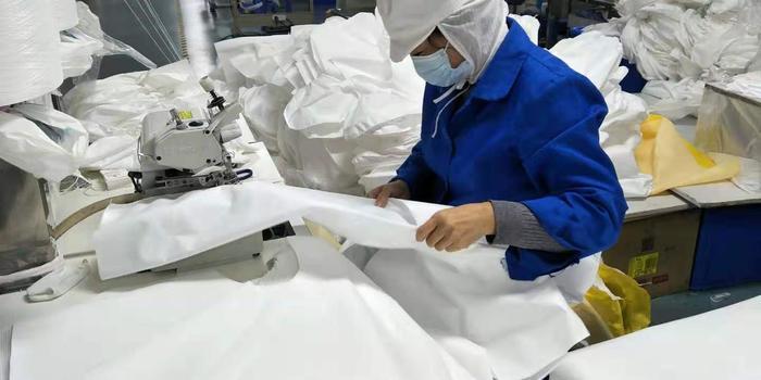 除夕放假初一开工,武汉一企业无限期生产防护品