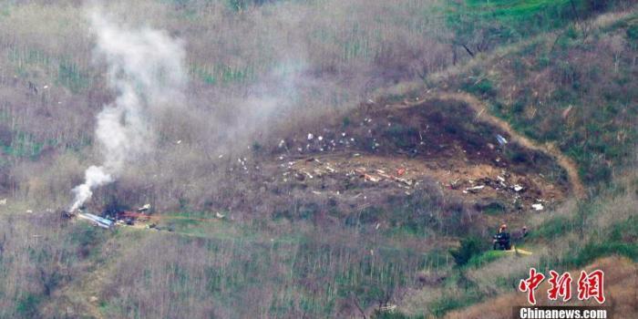 科比坠机事故最新调查:直升机未配备地形警报系统