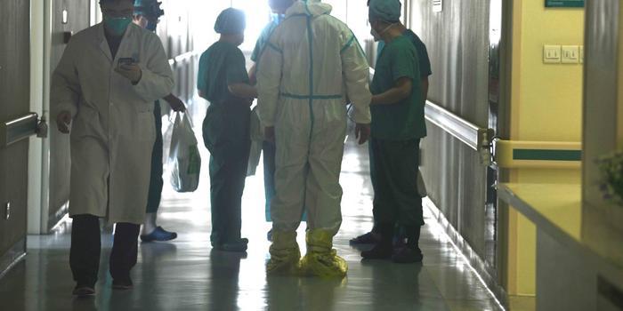 武汉协和开放新病区 北京医疗队迎来更大挑战