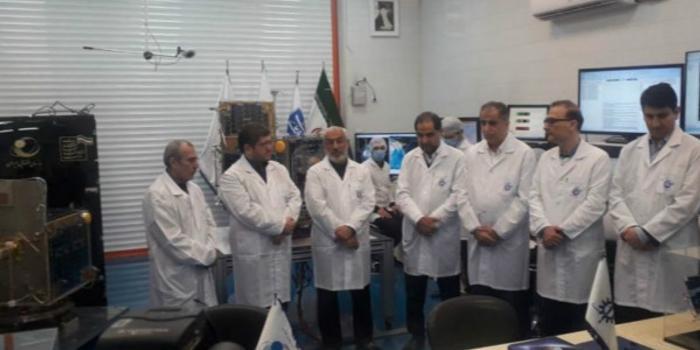 """伊朗国防部:未能成功将""""扎法尔""""卫星送入轨道"""