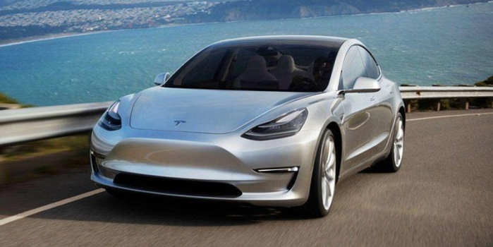 """""""旧系统不能用了"""" 特斯拉将强制用户更新汽车软件"""