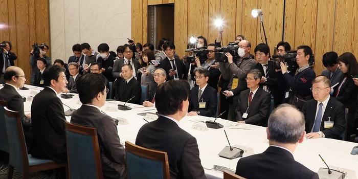 日本确诊414人 政府专家会议:处于疫情传播早期