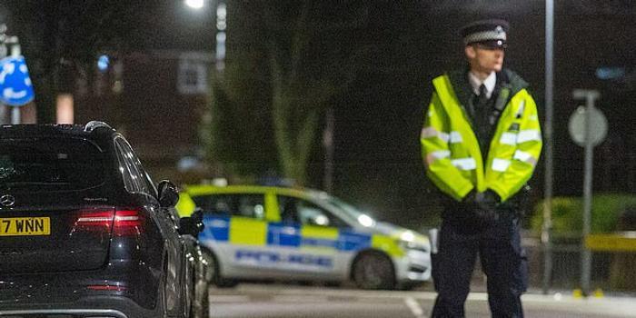 伦敦连发4起持刀袭击致4人受伤 其中2人情况危急