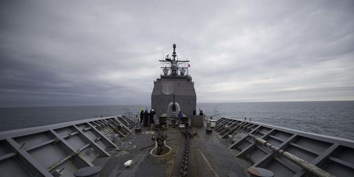 美舰穿台湾海峡画面曝光 又是这艘劣迹累累的军舰