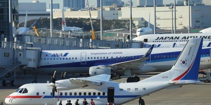 """韩媒:韩总统专机将接7人离开""""钻石公主""""号邮轮"""