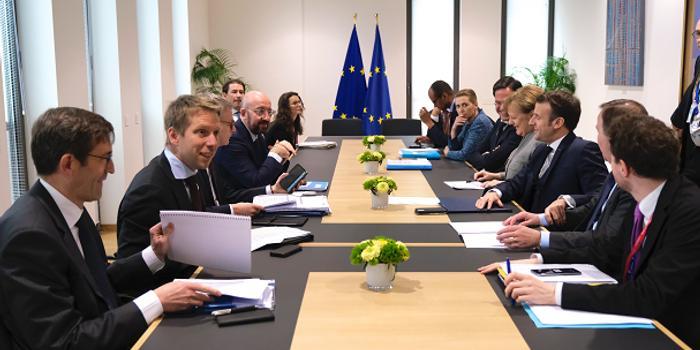 欧盟特别峰会无果而终 27国未就长期预算达成一致