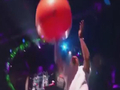 视频-水花兄弟颁奖现场对飙三分 库里放水仍胜三球