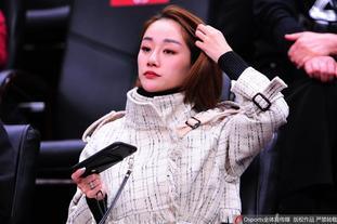辽宁vs上海美女球迷看台观战