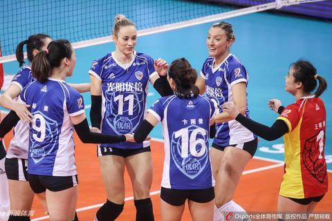 排超八强战上海女排3-2八一