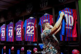 梅西與巴塞羅那合約到期
