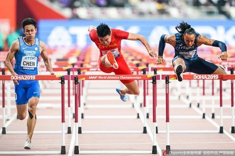 男子110米栏半决赛谢文骏顺利晋级