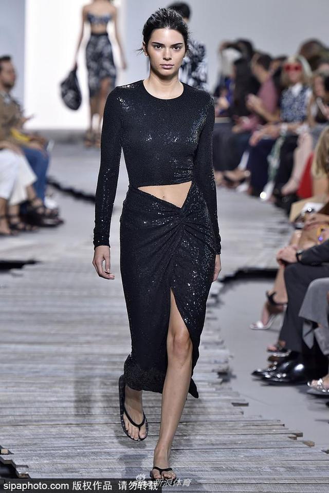 当地时间2018-10-21,美国纽约,2018纽约时装周春夏:Michael Kors品牌秀场。
