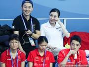 吴敏霞与老公观战世锦赛