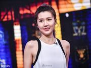 美女嘉宾刘语熙助阵足协杯抽签