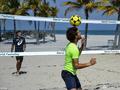 穆雷哥哥等人玩沙滩足球