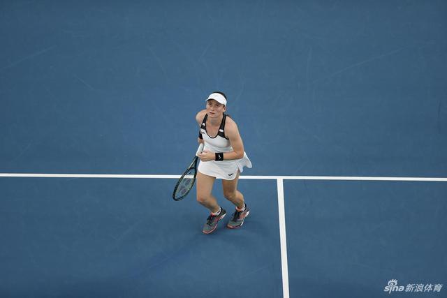 新浪直击澳网小威晋级第三轮