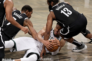 [NBA季后赛]雄鹿加时险胜篮网