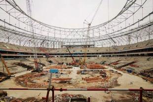 凤凰山专业球场内部装修阶段