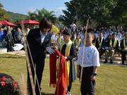 高清-吴清源纪念仪式举行 棋界嘉宾为吴大师塑像献花
