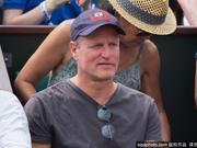 伍迪-哈里森观战法网男单决赛